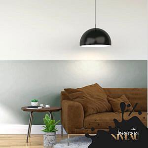 horizontale-lambrisering-met-een-donkere-kleur-onder-en-een-lichte-kleur-boven