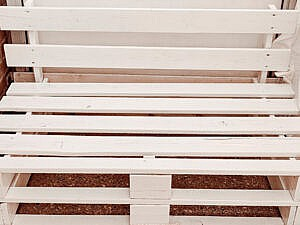palletbank-verven-en-beschermen-tegen-de-winter
